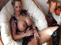Lesbianas sexys sentadas junto a la caseros mexicanas xxx piscina en una película porno