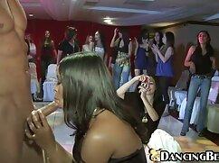 Mientras el marido está en el trabajo, la xxx esposas mexicanas joven esposa es follada duro por todos los agujeros por su amante