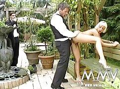Dirty porno xxx amateur mexicano santa apareció para desearle a la mujer curvilínea un feliz año nuevo
